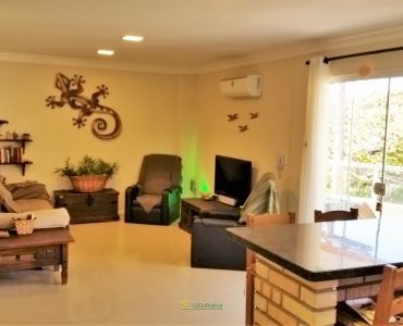 AP-67 - Apartment 3 Bedrooms, 1 Suite, 2 Vacancies, Furnished.
